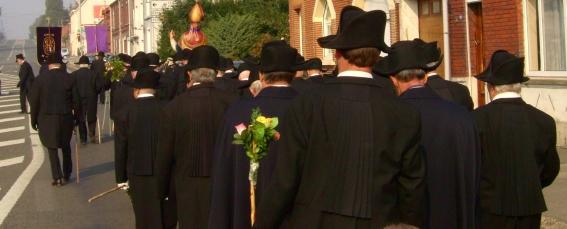 procession à Naviau au départ de Beuvry.jpg