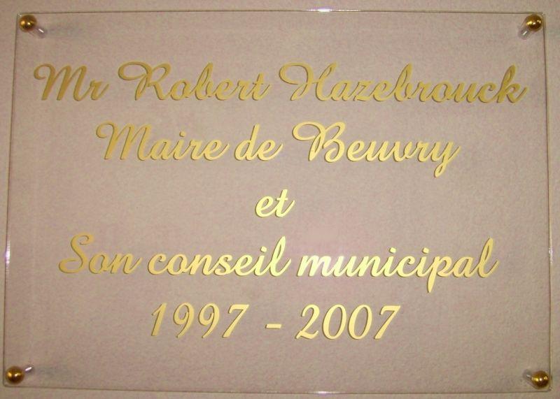 Plaque Robert Hazebrouck maire de beuvry