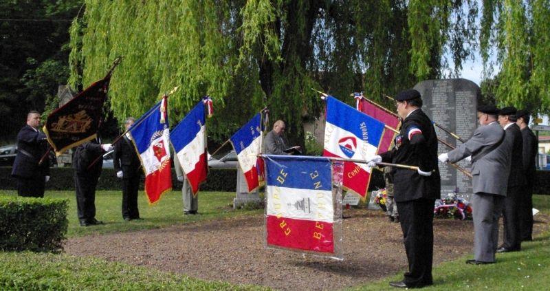 drapeauxbeuvry squarre des martyrs