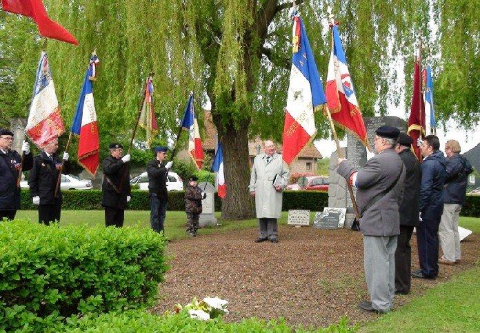 Cérémonies du 8 mai 2012 dans Commémorations 8-mai-2012-square