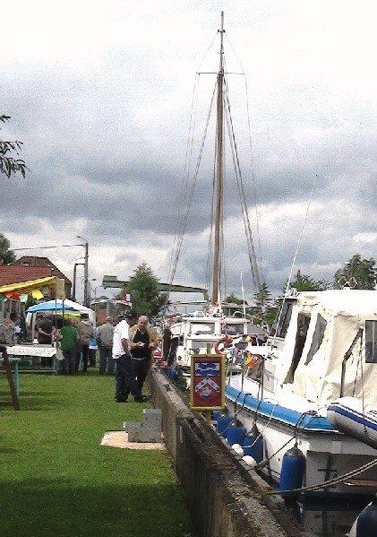 peintre-au-bord-de-leau-beuvry-2012 canal
