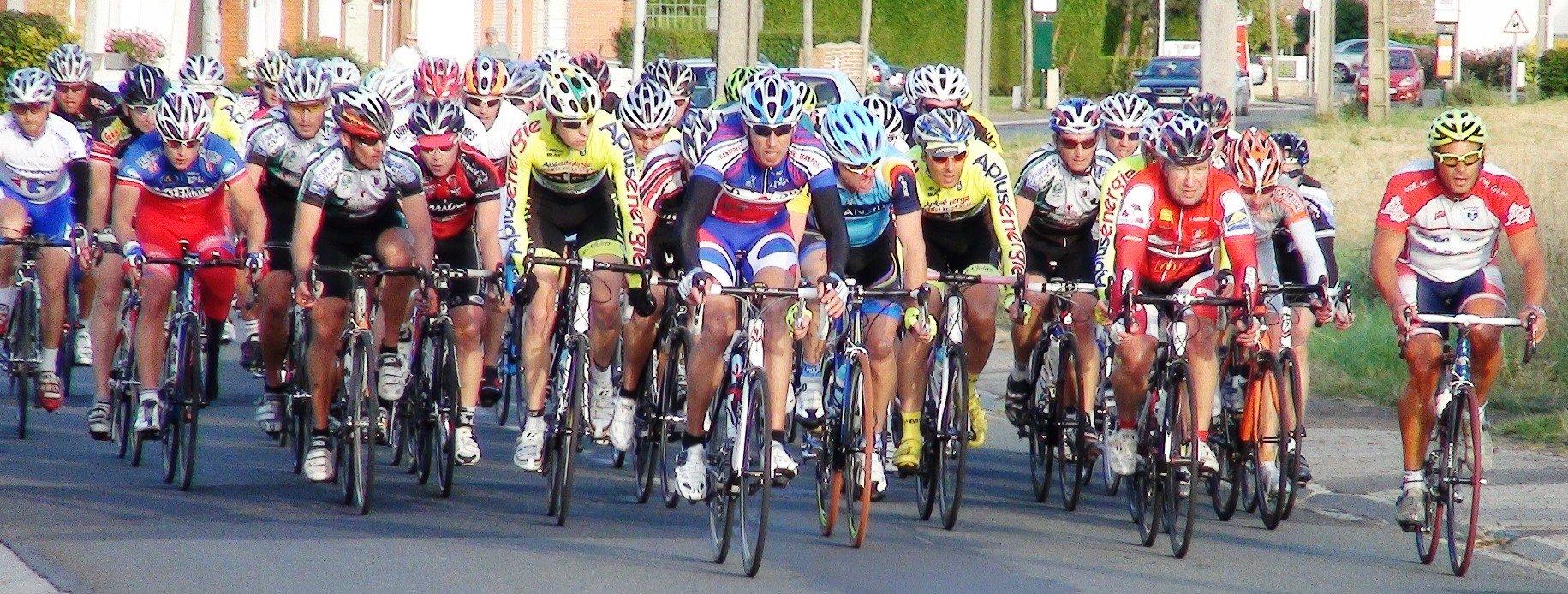Course cycliste à Beuvry dans Sport peloton