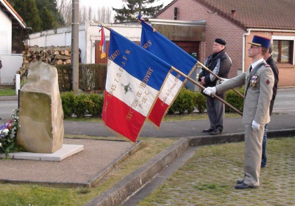 19 juin 2013 portes-drapeau beuvry