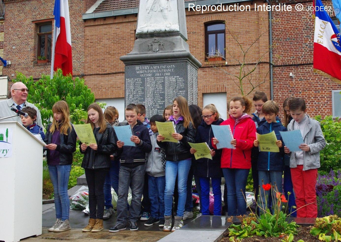 Message d'enfants de Beuvry le 8 mai 2014 dans Commémorations enfants-ecole-la-fontaine-8-mai-2014