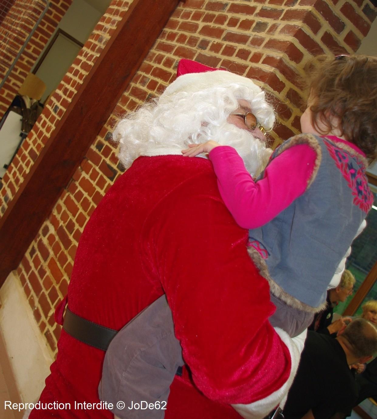 Première sortie pour le Père Noël à Beuvry ! dans Les Albrans pere-noel-2014-beuvry