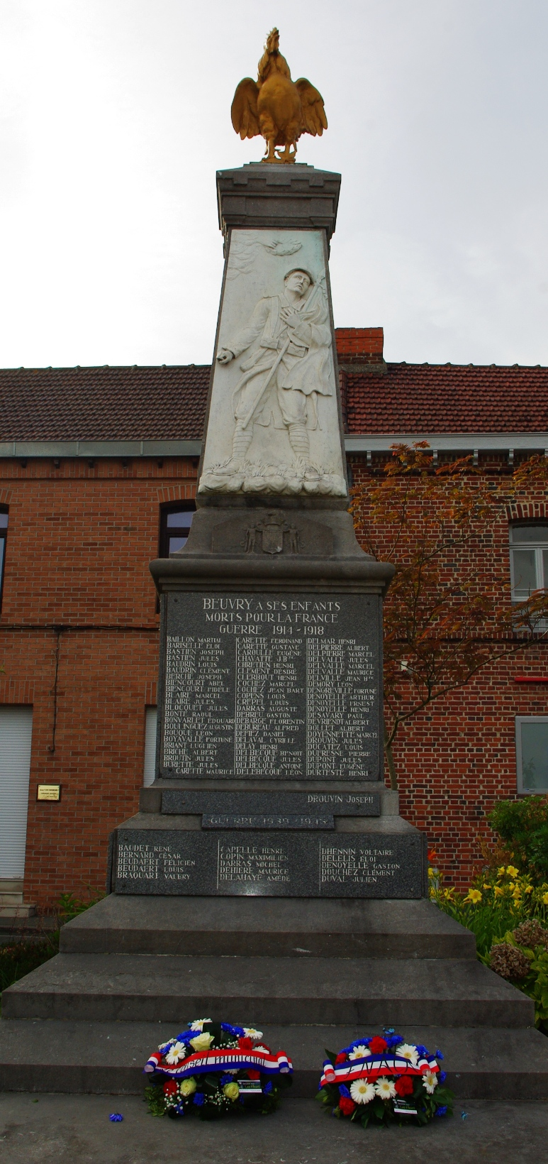 18 juin 2015 monument aux morts Beuvry